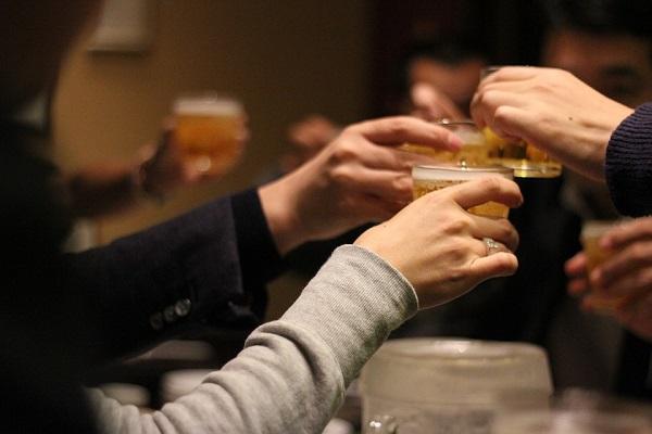 サラリーマンの世界で飲み会を堂々と断れないなら自分が企画する側に回れ!